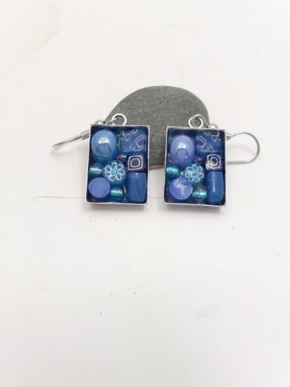 Boucle d'oreille bleue en millefiori et émaux de verre