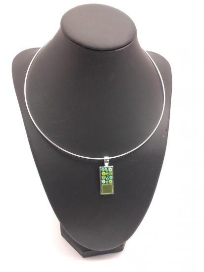 Pendentif vert en millefiori et carreau de verre