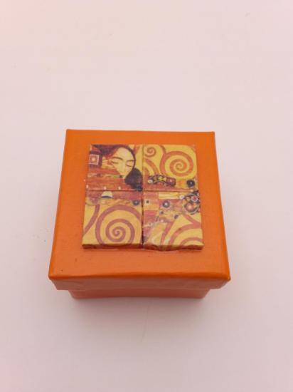 Boite à bijoux (5x5cm) Vendue