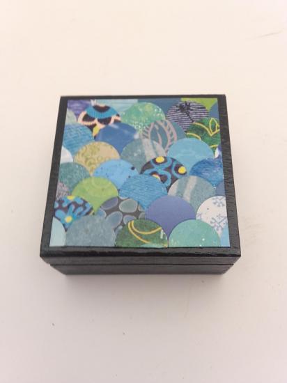 Boite à bijoux (6x6cm) vendue