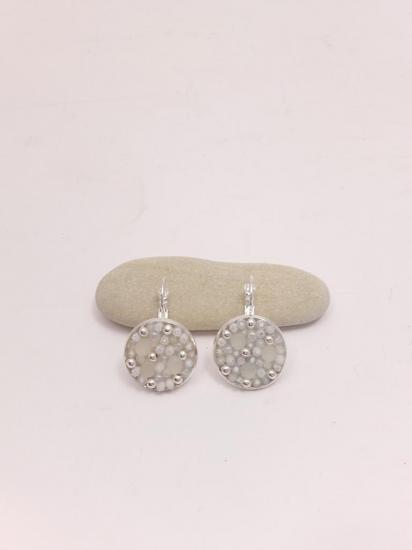 Boucle d'oreille blanche en millefiori et perles de verre