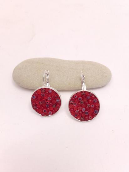 Boucle d'oreille rouge en millefiori et perles de verre