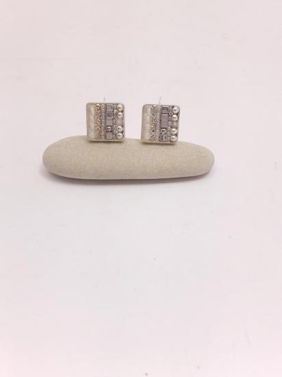 Boucle d'oreille blancher et argent en émaux et perles de verre