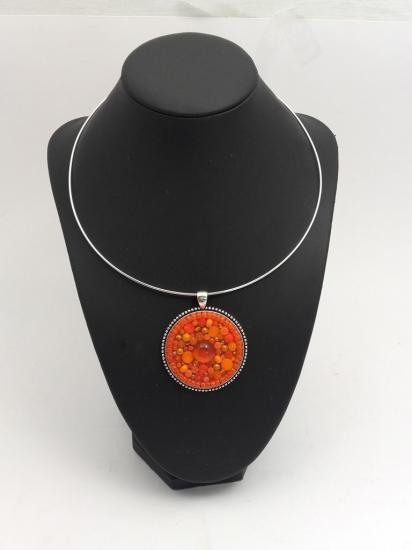 Pendentif orange en millefiori et perles de verre