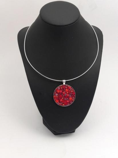 Pendentif rouge en millefiori et perles de verre